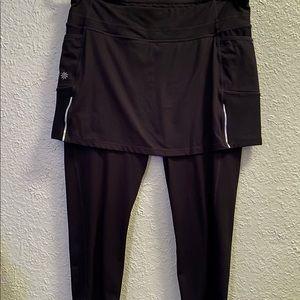 Athleta 2 in 1 Black Activewear Capri Skirt